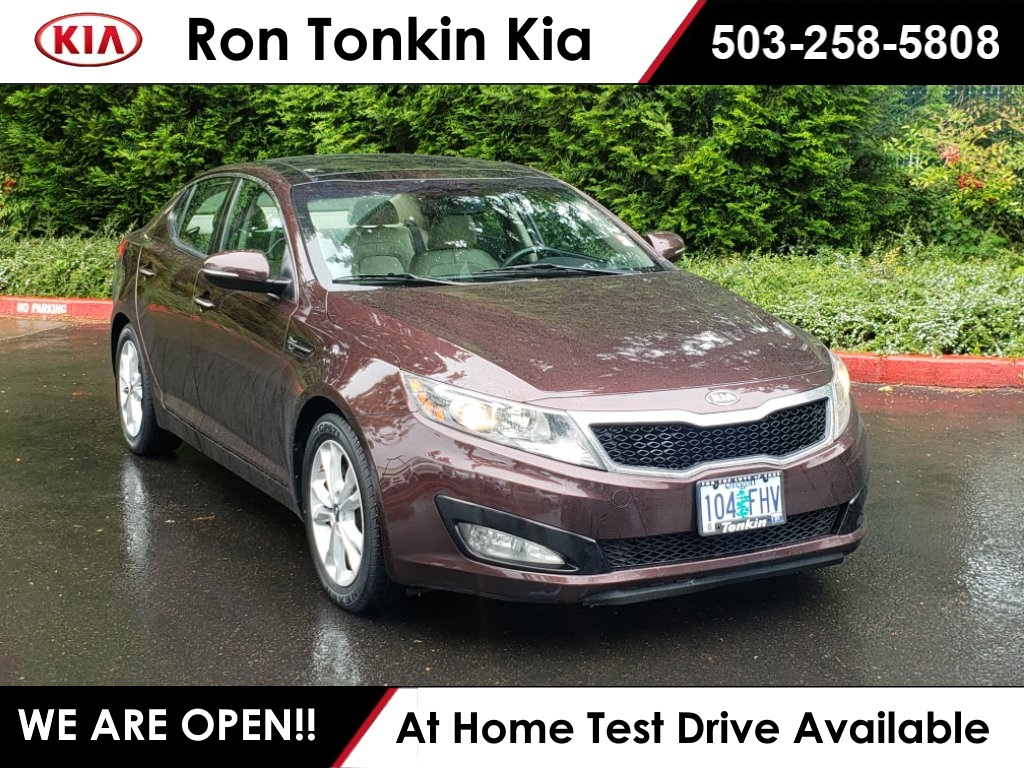 Pre-Owned 2011 Kia Optima EX